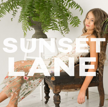 <span>Sunset Lane (fashion)</span><i>→</i>